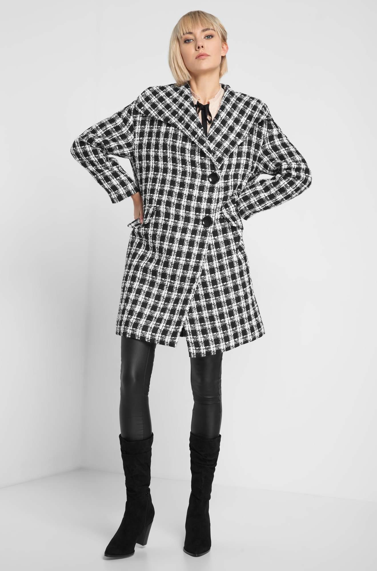 Palton oversize în carouri